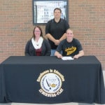 Leininger signs with Otterbein