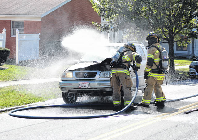 A car fire on South East Street in Hillsboro had traffic shut down briefly during the Monday lunch hour while emergency crews doused the blaze. According to law enforcement, there were two occupants in the vehicle. No injuries were reported. Firefighters with Paint Creek Joint EMS/Fire District responded with officers from the Hillsboro Police Department and the Ohio State Highway Patrol. The cause of the fire was unknown Monday afternoon.