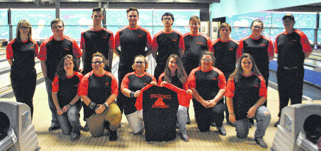 The Whiteoak High School varsity boys and girls bowling teams pose for a picture at Highland Lanes in Hillsboro.