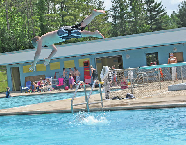 The Hillsboro Swim Club, located at 635 W. Main St., will host an open house from 10 a.m. to noon Saturday.