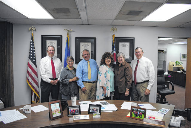 The Highland County Board of Commissioners recently endorsed the 2018 Highland County Women's Hall of Fame inductees. Being inducted this year are Nancy Baldwin, Luise Curtis and Rosemary Ryan. Pictured are county commissioners and hall of fame committee members, from left, Gary Abernathy, Sue Smith, Jeff Duncan, Sharon Hughes, Virginia Purdy and Terry Britton.
