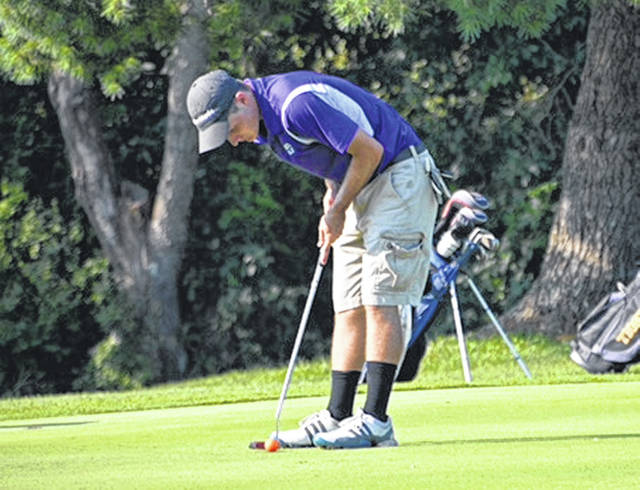 McClain's Trevor Newkirk prepares to putt at Franklin Valley Golf Course in Jackson during a FAC golf match.