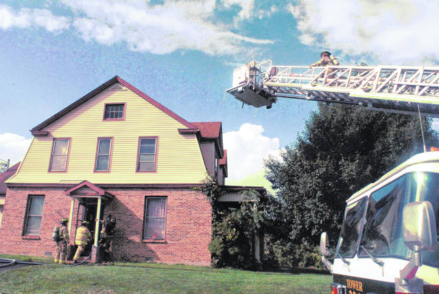 A ladder truck was called Monday afternoon to the scene of a possible grease fire at a residence on Uhrig Street, but firefighters were able to contain the flames and all the occupants escaped unharmed. Paint Creek Joint EMS/Fire District Chief Dave Manning told The Times-Gazette at the scene that firefighters were able to get the fire under control before too much damage was done. The chief said the blaze was reported as a grease fire, and the smoke smelled similar to smoke produced by grease fires. Manning said there were no reported injuries, although one man was treated at the scene for smoke inhalation. Manning said all the occupants of the home, including an infant, escaped unharmed.